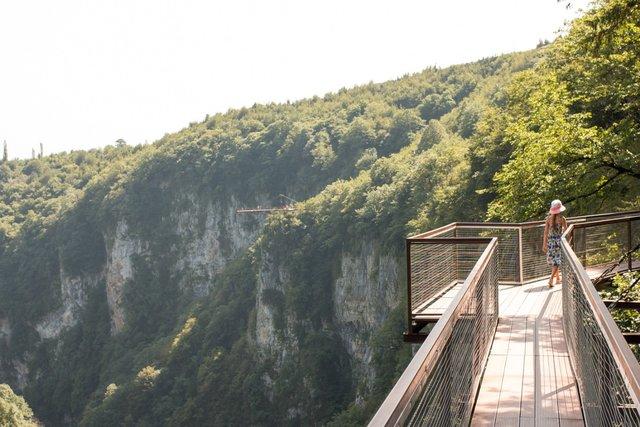 Форум рассказ шла по лестнице без трусиков фото 614-916