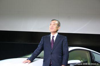 Президент компании Honda Фукуи Такэо верит в светлое будущее гибридов