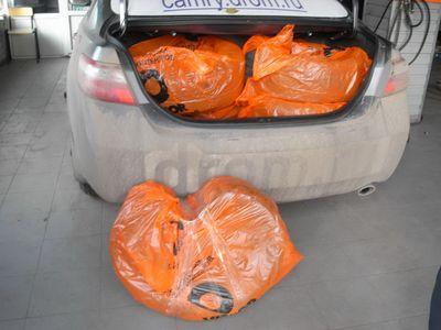 В багажное отделение поместилось 4 летних колеса + запасное зимнее.