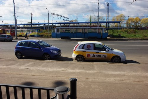 Lada Kalina Sport и Chevrolet Aveo – фото для сравнения габаритов