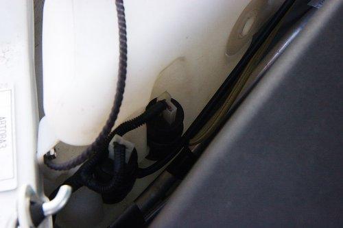 Фишки и провода, которые надо поменять, чтобы нормально заработала омывайка