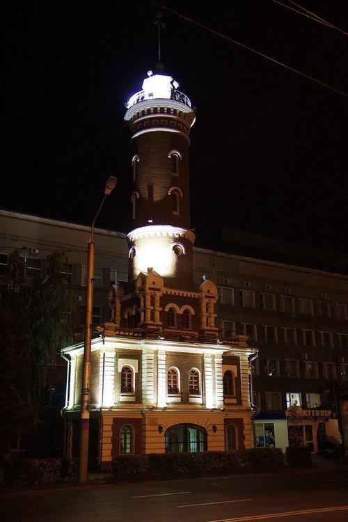 Каланча, когда-то это было самое высокое здание в Омске, теперь — лишь памятник