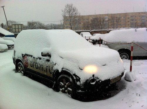 Ниссан Х-Трейл в снегу