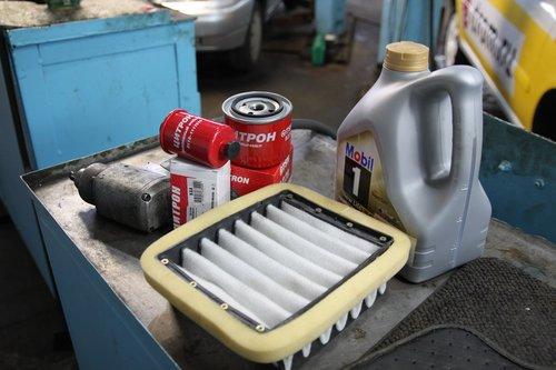 Расходные материалы для ТО-3. Из них подошел только масляный фильтр и масло