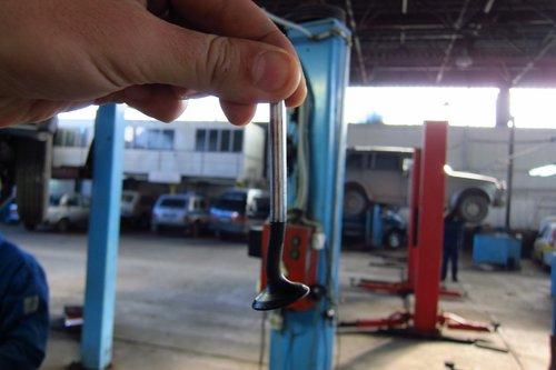 Пример согнутого клапана на Lada Kalina