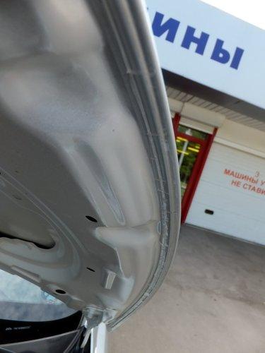 Антигравийная оклейка капота Hyundai Solaris. Опция дилера