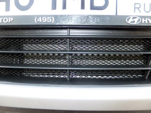 Сеточка на радиатор Hyundai Solaris. Опция дилера