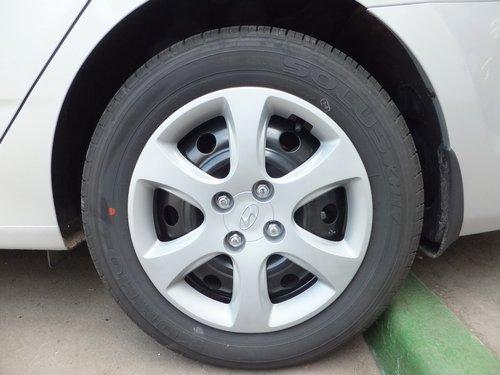 Штатная резина Hyundai Solaris: Kumho Solus KH17