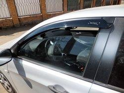 Hyundai Solaris с корейскими ветровиками