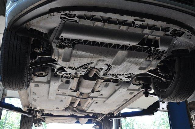 Нижняя защита двигателя Поло