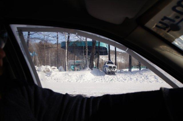 Ну очень узкий патрульный авто!.. )))