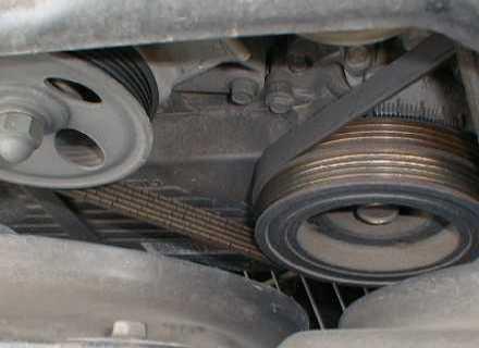 ремни на Subaru Legacy (EJ18).