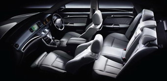 Интерьер салона Nissan Fuga Stylish Silver Leather