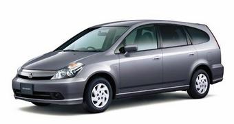 Honda Stream - текущее поколение  (октябрь 2000 - июль 2006)