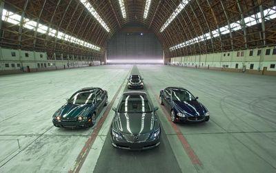 Jaguar Super V8 и Lexus LS600hL, Mercedes-Benz S550 и Maserati Quattroporte Sport GT.