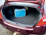 По нашим замерам, багажник «Теаны» уступает «Супербу» и «Кэмри» 84 и 100 л соответственно.