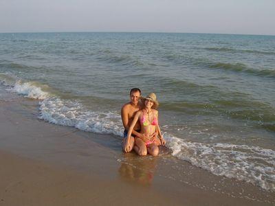 Жену имеют друзья на море фото 264-726
