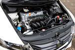 2,4-литровый двигатель i-VTEC развивает мощность до 173 л.с., что на 13 л.с. больше, чем у модели третьего поколения, в то время как крутящий момент вырос на 0,4 кг-м до 22,6 кг-м. Расход топлива 1 литр на 13,2 км (на 1 км больше, чем у предыдущего поколения), это позволяет с запасом (15-25%) соответствовать стандартам расхода топлива 2010 года. Прекрасное сочетание мощности и экологичности!