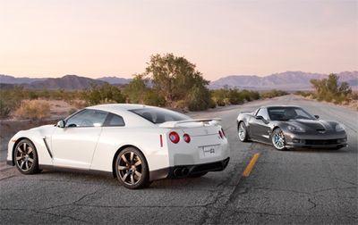 Ни один из этих автомобилей не пригоден для длительных путешествий по автострадам, но посреди пустынного шоссе оба выглядят чертовски привлекательно.