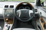 Комплектация Sports M включает в себя перепрограммированный блок управления двигателем (ECU), спортивный глушитель, спортивную подвеску, фирменные эмблемы.