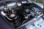 62-сильный 1,5-литровый двигатель разгонял этого тяжеловеса до 110 км/час. Расход топлива указан в каталоге как литр на 15 км.