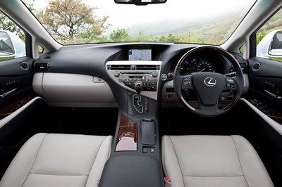 Интерьер Lexus RX450h