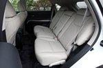 Задние сидения можно двигать на 120 мм.