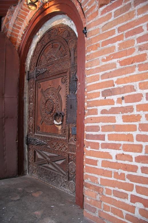 Такую бы дверь на дачу.