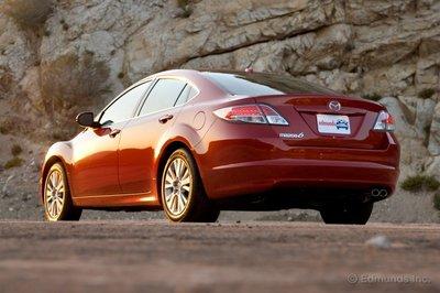 Mazda6 — новый образец для подражания в семействе семейных седанов.