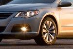 Комфортабельность VW — отчасти заслуга покрышек Continental 215/55 R17.