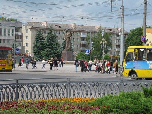 Ещё один памятник Шевченко.