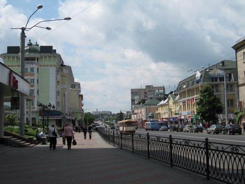 Центральная улица — улица Соборная.