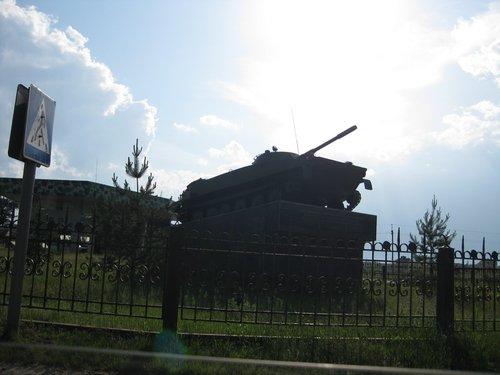 Ещё один памятник воинам-героям.