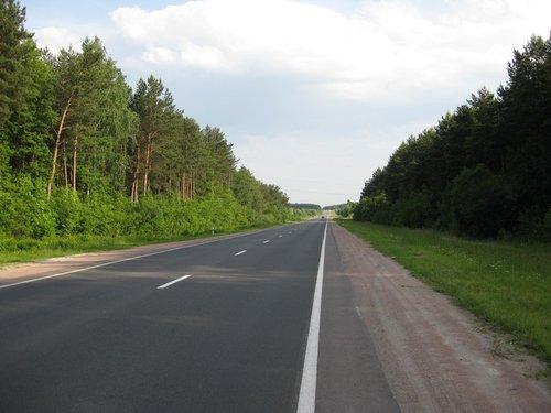 Дорога узкая, но красивая.