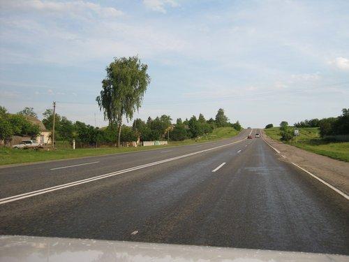 Местами дороги становятся шире.