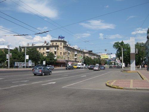 На улице Советской.