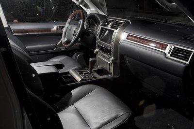 Передний ряд в Lexus GX 460