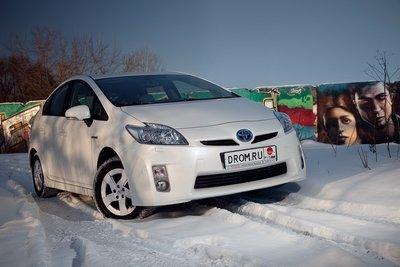Toyota Prius на тест-драйве Drom.ru