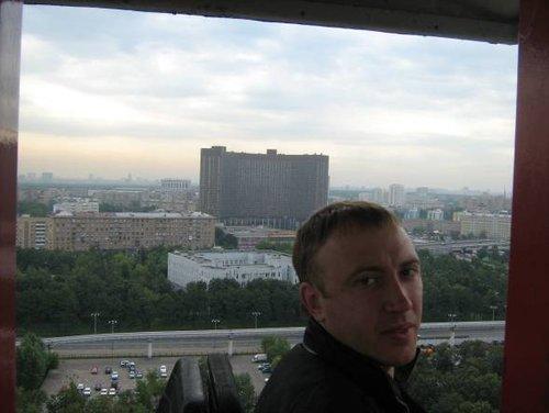 Колесо обозрения Москва 850 лет (остановилось аварийно через 2 дня).