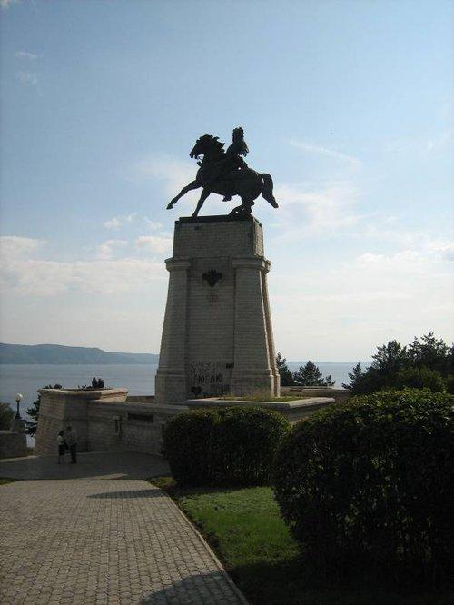 Памятник Василию Татищеву — основателю Тольятти.