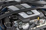 Атмосферный 3,7-литровый двигатель V6 выглядит несколько антично (331лошадиная сила, 366Нм). Мощный агрегат с неумелым раскрытием потенциала имеет вид шахтера с орудующими над его мозгом хирургами, ...