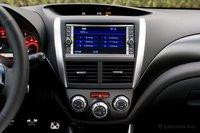 Доставшийся нам для теста автомобиль был также оснащен системой навигации.