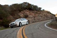 BMW 550i — абсолютно новая модель, представляющая шестое поколение популярного спортивного седана класса «люкс».