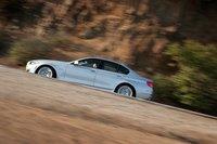 У BMW 550i платформа от флагмана 7-ой серии; оба автомобиля собираются на одном заводе.