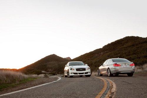 После подстчета результатов оказалось, что BMW 550i опередил Infiniti M56.