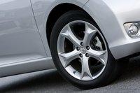 Все Venza с мотором V6 комплектуются стандартными 20-дюймовыми колесными дисками с покрышками 245/50R20.