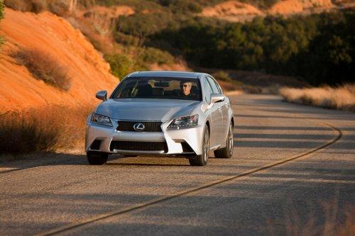 И все же новый GS по-прежнему бесшумен и комфортен, как и положено настоящему Lexus.