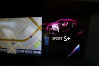 В режиме Sport Plus затрагивается не только двигатель и трансмиссия, но и настройки амортизаторов, которые становятся жестче.