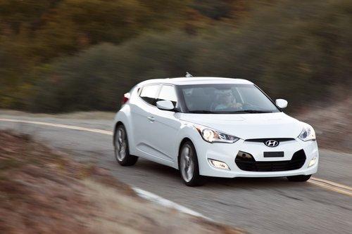 Новая модель от Hyundai под названием Veloster не такая увлекательная, как ее название, и какой могла бы быть судя по внешности. Спорим, вы не догадаетесь, что у него три двери.