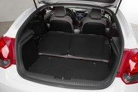 Если сложить спинки задних сидений, общая вместимость возрастет до 980 литров. Совсем неплохо для небольшого спортивного автомобиля.